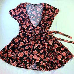 FOREVER 21 Low Cut Floral Wrap Dress Medium